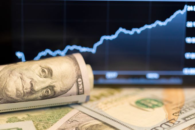 Forex Today: US Dollar Soars